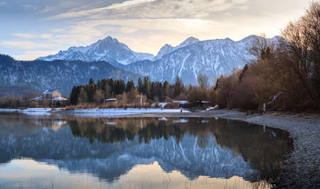 View from Forggensee to the Allgäu Alps 新闻类图片