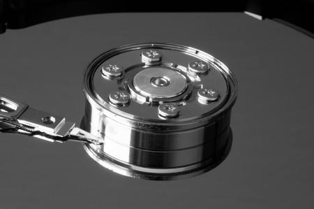 disco duro: Black and white shot of a hard drive in lateral view Foto de archivo