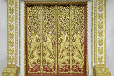 wood carvings: ancient wood carvings door