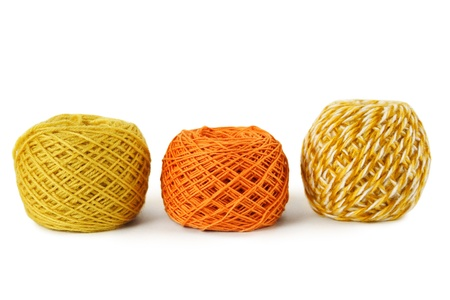 gamma: pensamiento de gamma naranja en una fila, aislado