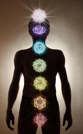 chakra: Debout Man silhouette, symboles de chakra Banque d'images