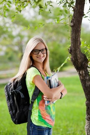 Beautifull studente di college in tiro parco Outdoor Archivio Fotografico - 13718741