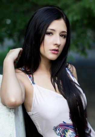 tetona: Sexy mujer morena de moda