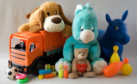 Speelgoed - vrolijke familie Stockfoto - 45044814