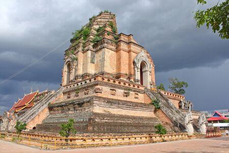 old pagoda in Wat Jedeeluang