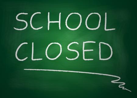 Illustratie van bord waarop is geschreven met krijt scholen gesloten