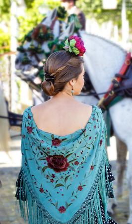 Mujer con vestido de flamenca Folclore español Foto de archivo - 78897966