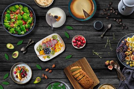 Tabela de comida mediterrânea. Conceito de refeições saudáveis Foto de archivo - 81894414