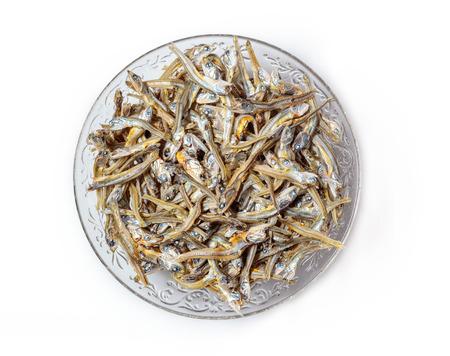 Japońskie zdrowe przekąski ryby Niboshi lub Iriko z bliska