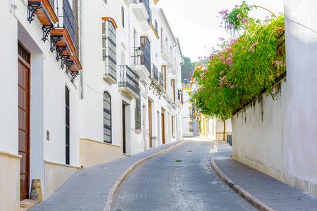Beautiful Street in Estepa, province of Seville. Standard-Bild - 121821055