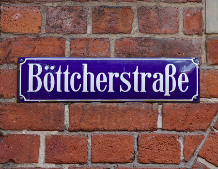 Bremen, Germany - April 27th, 2018 - Street sign in Bremens most famous historic street, the Boettcherstrasse 新聞圖片