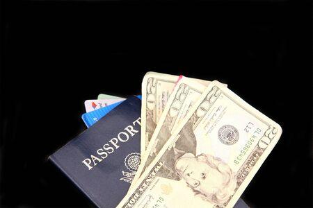 お金とクレジット カードとパスポート