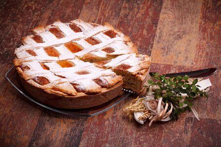 napoletana: Cucina internazionale - Dolci - Pastiera napoletana. Pastiera � una torta di grano e ricotta, che � anche conosciuta come Gran Pizza.