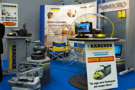 vac: ROME, ITALY - FEBRUARY 16, 2014: At Fiera di Roma, the stand of German company Kärcher, presenting the new Window Vac the world's first lithium-ion cordless window and flat surface cleaning vacuum, during the . Editorial