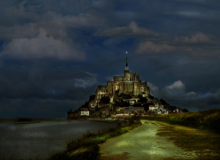 Edad de Piedra: Misterio vista de la abad�a de Mont Saint-Michel en Normand�a, Francia Foto de archivo