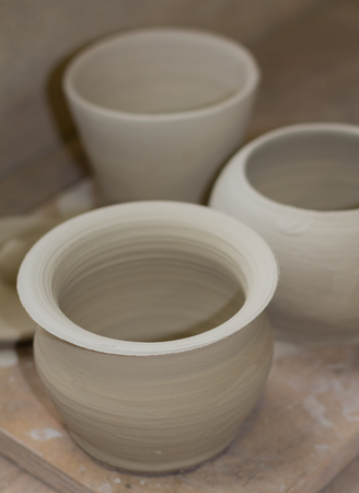 drying: Pottery drying