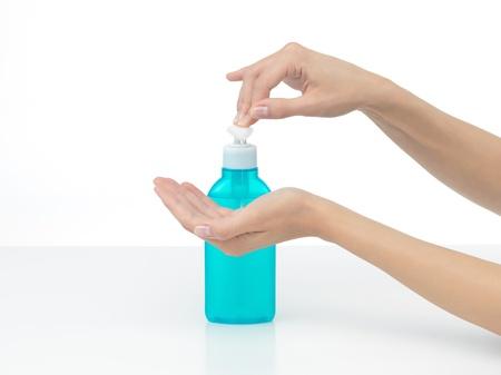 desinfectante: manos que se van a desinfectar con jabón que lichidhands