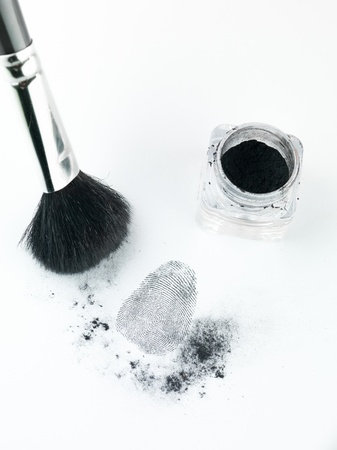 delito: vista en perspectiva a�rea de una huella dactilar revelado mediante la impresi�n de polvo, con un cepillo y la impresi�n de polvo destinatario
