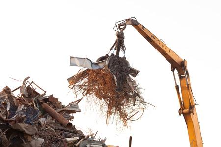metallschrott: Großansicht des Krans Klaue loadd mit Schrott Lizenzfreie Bilder