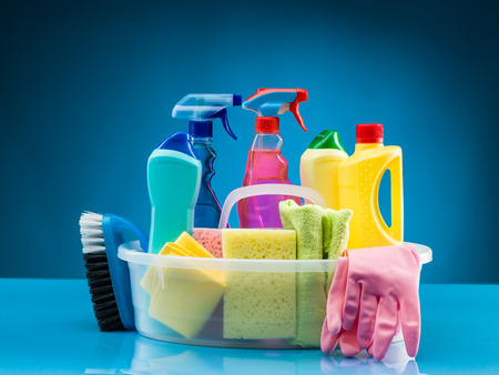 cleaning products and supplies in basket Archivio Fotografico