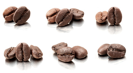 grano de cafe: granos de café Foto de archivo