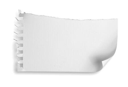 paper note: rasg� el papel de nota blanco sobre fondo blanco