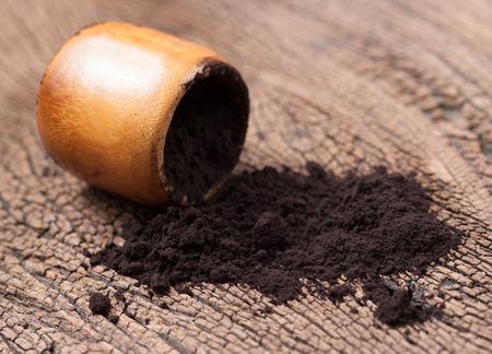 black powder: black powder on wood