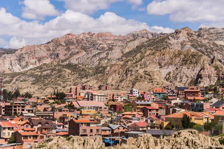 la paz: la paz located at roughly 4000m in the mountains of bolivia Stock Photo