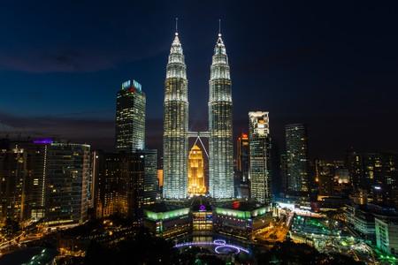 petronas: the twin towers in kuala lumpur malaysia