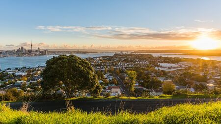 auckland the capital of new zealand with its impressive skyline Stock Photo