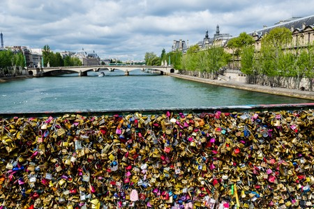 deiffel: exploring the sights of paris within a few days