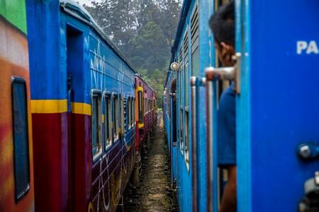 tren: viajar en el tren en Sri Lanka paisaje Foto de archivo