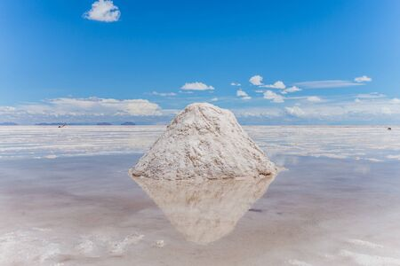 visiting the awesome salt flats of uyuni