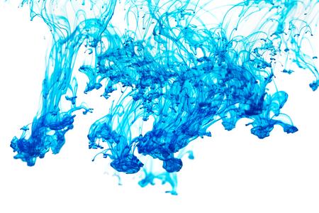 pintura abstracta: Tinta de color azul pintura abstracta patrón en agua líquida Foto de archivo