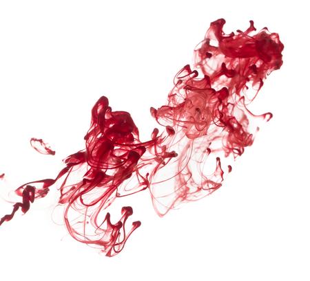 Motif abstrait de peinture tombant dans la goutte d'eau de l'encre rouge Banque d'images - 50206393