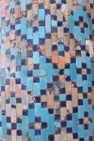 badhuis: Aziatische mozaïeken op de muur van het oude badhuis in Tbilisi, Georgië