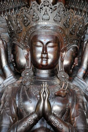 thousands hands guanyin statue