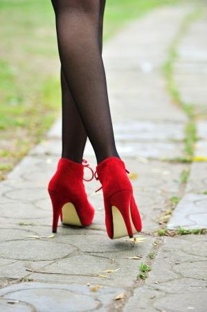 piernas sexy con zapatos de tacón alto