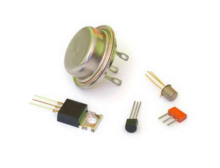 transistor: Un conjunto de transistores de diferentes tipos
