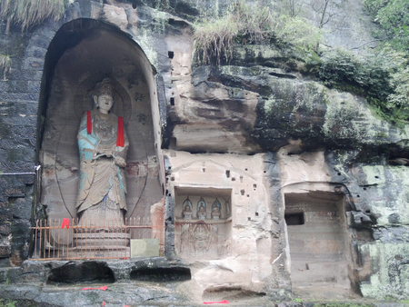 niches: The complex of Buddhist rock sculptures Yuanjue (Yuanjue Rock Carving, Yuanjue Caves) located about 3 km south-east of the historical center of Anyue, Sichuan province, China. It includes about 100 niches and caves that dates back to the 10-13th century.