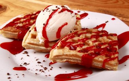 jarabe: crepes dulces con crema de Creem y el hielo