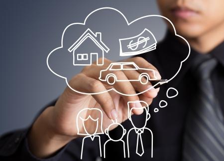 ubezpieczenia: Rysunek dom Biznesmen marzenie w tablicy