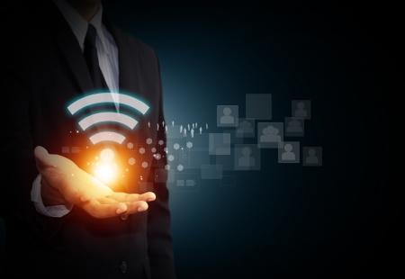 Wifi-symbool op mail de hand