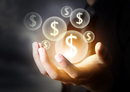 banco dinero: Icono de dinero en mano de negocios Foto de archivo