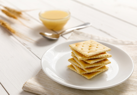 crackers with condensed milk and fruit, breakfast