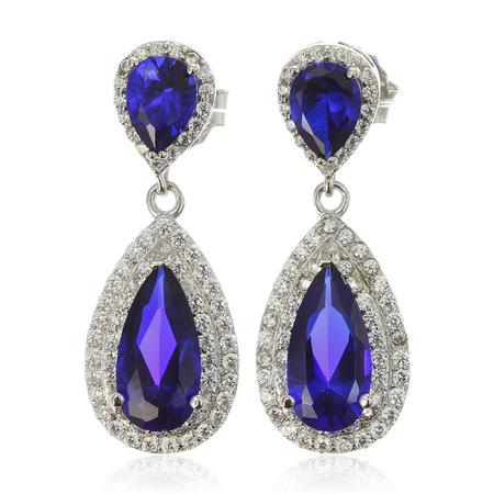 aretes: Cierre de pendientes de diamantes con diamantes Foto de archivo