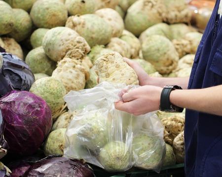 A seller who chooses celery