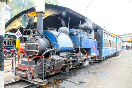 narrow gauge railroad: Darjeeling toy steam train, Ghum, India Stock Photo