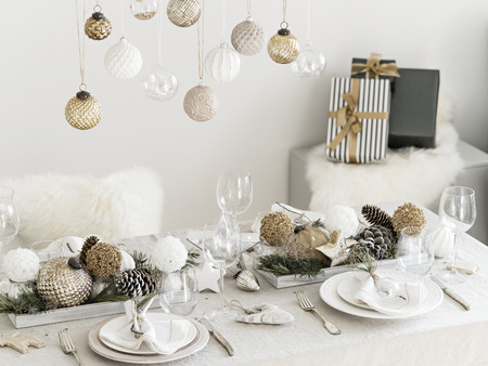 Elegant New Years Party Decoration For Dining Room.