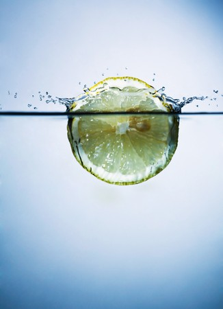 lemon in water photo